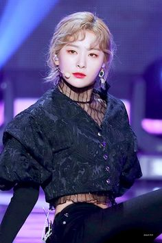 kang seulgi and this outfit 😍😍😍 Kpop Girl Groups, Korean Girl Groups, Kpop Girls, Red Velvet Seulgi, Red Velvet Irene, Park Sooyoung, Kang Seulgi, K Idol, Stage Outfits