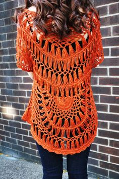 inspiration – hairpin lace Crochet Top from Cirque De La Mode – I'd so buy this were it in a color more flattering on me
