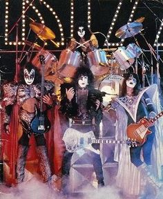 KISS ~ took a few good photos and next thing I knew ~ passed out and ended up in Lake Charles hospital
