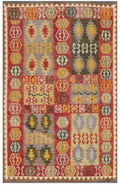 """KILIM HERAT 295x193. Alfombra Kilim Herat. Kilim Herat. Kilim anudado a mano con lana autóctona por las tribus """"turkemanas"""" en el norte de Afganistán. Los diseños utilizados son bellas estilizaciones de formas tradicionales como el """"boteh"""", octogonos, rombos engarzados... Wool Runners, Magic Carpet, Kilims, Lana, Bohemian Rug, Fabrics, Textiles, Ornaments, Rugs"""