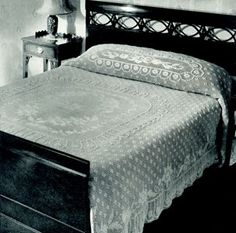 Cameo bedspread, I love love this would take me a lifetime to make lol