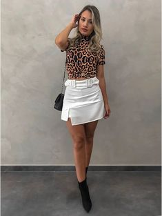 Shorts saia priscila off moda femenina em 2019 skirt fashion, fashion e out Casual Chic, Dolce & Gabbana, Looks Com Short, All Fashion, Womens Fashion, Spring Outfits, Russia, Stylists, Mini Skirts