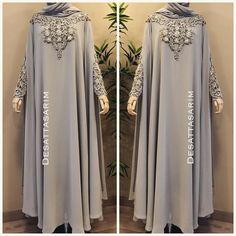 132 Likes, 5 Comments - Dubai Hijab Gown, Hijab Dress Party, Niqab Fashion, Muslim Fashion, Estilo Abaya, Ankara Mode, Kebaya Dress, Modele Hijab, Arabic Dress