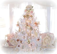 share your favourite Olivia S Romantic Home Shabby Chic White Christmas Tree images in to your beloved Firend and Family. Christmas Tree Images, Live Christmas Trees, Luxury Christmas Tree, Beautiful Christmas Trees, Pink Christmas, Rustic Christmas, Trees Beautiful, Christmas Pictures, Christmas Holidays