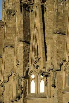 Outokummusta rautaa Sagrada Familiaan.