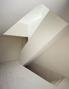 Casa en la Ladera de un Castillo / Fran Silvestre Arquitectos F. SIVESTRE NAVARRO – Plataforma Arquitectura