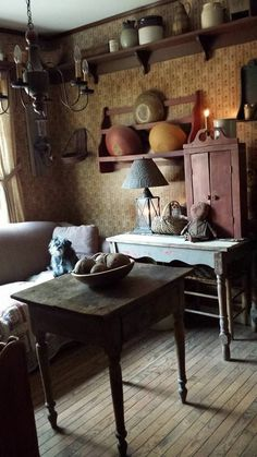 Primitive Living Room, Primitive Homes, Primitive Furniture, Primitive Kitchen, Country Primitive, Primitive Bathrooms, Country Sampler, Prim Decor, Country Decor