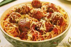 Receita de Espaguete com almôndegas - Comida e Receitas Pasta, Carne, Spaghetti, Good Food, Food And Drink, Homemade, Cooking, Ethnic Recipes, Quick Recipes