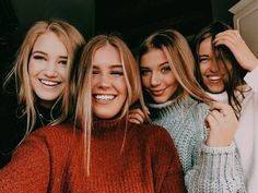 Hey guys for today's post, in honor of Summer vacation, I'll be talking about different things that we can do this summer when you're bored. Cute Friend Pictures, Best Friend Pictures, Cute Photos, Bff Pics, Diy Foto, Best Friend Photography, Friend Poses, Gal Pal, Cute Friends