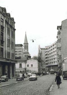 Bucurestiul de altadata. Foto: Ilias Dutescu Bucharest Romania, Time Travel, Old Houses, Geography, Childhood Memories, Nostalgia, Places To Visit, Street View, Photography