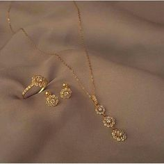 Latest designs for gold and diamond chain necklace , earnings,rings Latest designs for gold and diamond chain necklace , earnings,rings Gold Chain Design, Gold Ring Designs, Gold Earrings Designs, Necklace Designs, Fancy Jewellery, Gold Jewellery Design, Gold Jewelry Simple, Stylish Jewelry, Jewelry Patterns