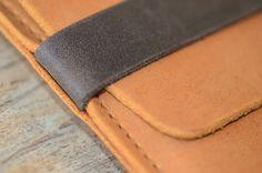 https://www.etsy.com/dk-en/listing/241444999/macbook-pro-leather-sleeve-raw-organic?ref=market