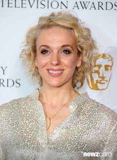BAFTA X - amazingamandaabbington Amanda Abbington, Tv Awards, Long Bangs, Absolutely Gorgeous, Beautiful, Martin Freeman, Sherlock Holmes, Actors & Actresses, Fangirl