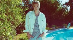 Penshoppe Spring 2016 campaign starring Lucky Blue Smith and Sean O'Pry captured poolside in inspired asualwear essentials. Male Photography, Fashion Photography, Penshoppe, Male Beauty, Beauty Ad, Sean O'pry, Lucky Blue Smith, Magazine Images, Spring 2016
