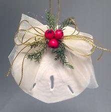 Seashell Christmas Ornaments, Beach Ornaments, Nautical Christmas, Ornament Crafts, Holiday Crafts, Christmas Decorations, Shell Ornaments, Snowman Ornaments, Christmas Berries