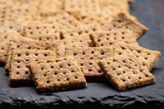 Villámgyors, parmezános sós keksz - Isteni ropogtatnivaló - Receptek | Sóbors
