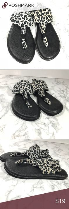 Sanuk Yogamat Sling Animal Print Sandals Size 9 Gently used, only a few small defects. See all images :)  Smoke free home  Size 9 Sanuk Shoes Sandals