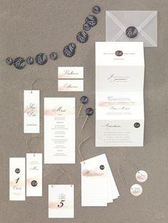 Moderne Kartenserie in Pfirsich und Gelb mit Wasserfarben-Design von GrafikNest bei www.weddingstyle.de Elegant, Blog, Wedding, Design, Invitations, Water Colors, Monochrome, Nice Asses, Peach