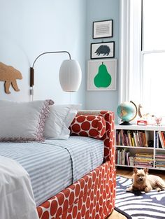 daybed + artwork | Kate Lydon Interiors