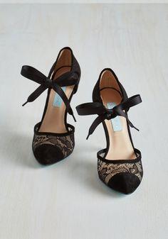 Queen of the Raffle Heel
