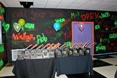 Wants and Wishes: Party planning: Neon/ Glow in the Dark Party Party Glow In Dark Party, Glow Party, Disco Party, Party Party, Neon Birthday, 13th Birthday Parties, 16th Birthday, Girl Birthday, Birthday Ideas