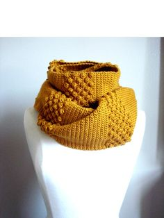Mustard infinity scarf :o this is absolute perfection, i really want to collect other scarves and such ^^ only have 5 now and 1 isn't fitted for mori-kei :( so still need some more XD