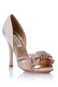 Badgley Mischka Babette Peep-Toe Pumps In Nude//