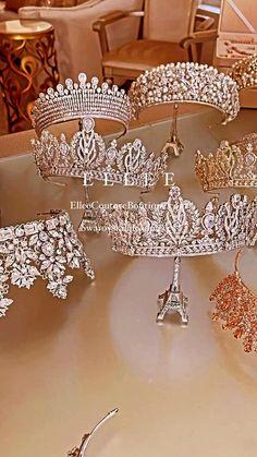 Rose Gold Wedding Jewelry, Crystal Wedding Dresses, Wedding Rings, Indian Bridal Hairstyles, Tiara Hairstyles, Wedding Hairstyles, Bridal Crown, Bridal Tiara, Bridal Headpieces