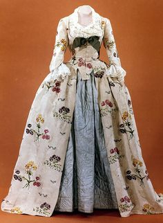 Mantua ca. 1747 From Colonial Williamsburg