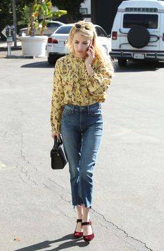 emma-roberts-at-the-coffee-bean-and-tea-leaf-in-west-hollywood-10-19-2016-6.jpg (1280×1960)