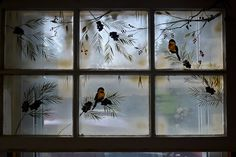 I love Theresa's window paintings birds in the snow Old Window Art, Old Window Crafts, Window Pane Art, Old Window Projects, Window Frames, Window Screens, Window Ideas, Antique Windows, Old Windows