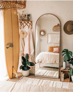 Minimalist bedroom decor ideas are for those who love to live a simple but elegant life. If you are a … bedroom 35 amazing minimalist bedroom decor ideas 738942251343684671 Industrial Bedroom Design, Design Bedroom, Bedroom Inspo, Boho Bedroom Diy, Bedroom Neutral, Bedroom Small, Cozy Bedroom, Boho Bed Room, Eclectic Bedroom Decor