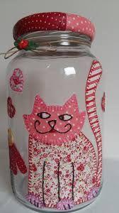 Resultado de imagem para decoupage em vidro com tecido Mason Jar Crafts, Bottle Crafts, Mason Jars, Felt Crafts, Easy Crafts, Diy And Crafts, Bottles And Jars, Glass Bottles, Recycled Jars