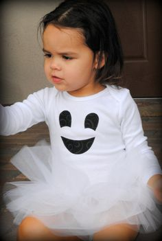 Easy halloween costume to make. I want to do this with orange shirts and tutus for pumpkins. Maybe a pumpkin, an apple, and the ghost...hhhmmm