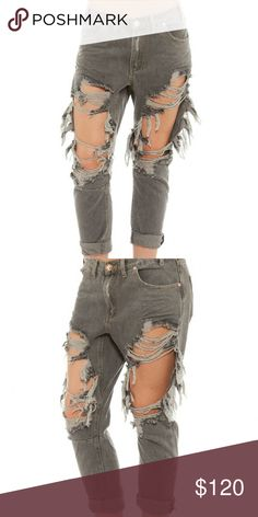 One teaspoon grey distressed jeans Worn a few times and create a wonderful grunge yet stylish vibe. Part of the saints collection.  One teaspoon jeans are meant to be baggy. I normally wear a size 26 in other brands and the 24 fit me perfectly.  Offers are welcome! :)   ***Comes with a complimentary gift*** Jeans Ankle & Cropped