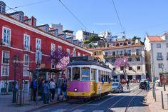 Il Tram 28 a Portas do Sol, viaggio a #Lisbona #visitportugal #rainbowRTW