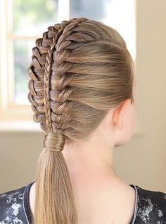 Adorable Braid Styles You Need to Create in 2018 Find here the amazing styles of braids for women to show off in year We have tried our best to provide you some kind of the perfect bridal hair looks for French Braid Hairstyles, Kids Braided Hairstyles, Best Wedding Hairstyles, Cute Hairstyles, Trending Hairstyles, Straight Hairstyles, Layered Hairstyle, Romantic Hairstyles, Braid Styles