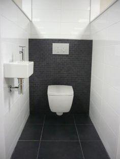 Beautiful black tiles behind the toilet. Fits the big black floor tiles - - Small Toilet Room, Guest Toilet, Downstairs Toilet, New Toilet, Bathroom Interior, Modern Bathroom, Small Bathroom, Small Sink, Bathroom Ideas