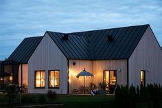 Tour And Travel Japan Code: 2914643553 Cottage Design, House Design, Modern Barn House, Swedish House, Scandinavian Home, Villas, Exterior Design, Future House, Building A House