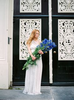 Fine art wedding photographer in Italy Darya Kamalova | AMSTERDAM STREETS PORTRAIT SESSION | http://www.thecablookfotolab.com