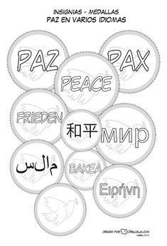 Medallas o insignias con la palabra paz en varios idiomas