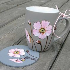 Glass Painting Designs, Pottery Painting Designs, Dot Art Painting, Ceramic Painting, Mugs And Jugs, Teapots And Cups, Paint Pens For Rocks, Painted Coffee Mugs, Glitter Balloons