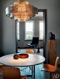 Masculine apartment - http://www.interiordesign2014.com/interior-design-ideas/masculine-apartment/