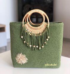 Crochet Purse Patterns, Crochet Tote, Crochet Shoes, Bag Patterns To Sew, Crochet Handbags, Macrame Patterns, Crochet Purses, Crochet Slippers, Diy Sac