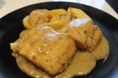 Merluza en salsa, sencilla y deliciosa - Yo, yo misma y mis cosas Fish Recipes, Seafood Recipes, Pasta Recipes, Great Recipes, Cooking Recipes, Healthy Recipes, Deli Food, Spanish Food, Spanish Recipes