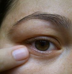 Amazing mask that removes dark circles and wrinkles Beauty Makeup Tips, Beauty Care, Hair Beauty, Scalp Psoriasis Treatment, Electronic Tattoo, Tattoo Care, Makeup Revolution, Dark Circles, Tatoo