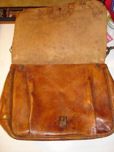 ORIGINAL 1944 U.S. NAVY ISSUED LEATHER POSTAL/MAIL MESSENGER BAG
