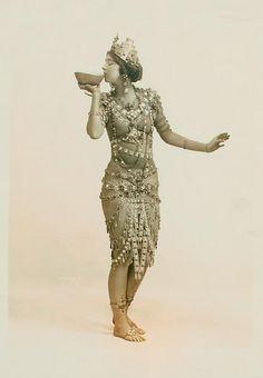 vintage bellydance Ruth St. Denis in Radha. by New York Public Library, via Flickr