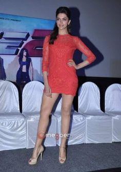Deepika Padukone Cute Photos At Race 2 Press Conference (3)