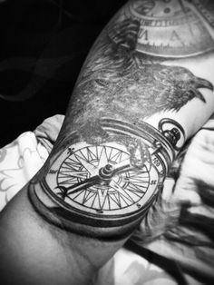 Corvo bússola relógio #bússola #relógio #corvo